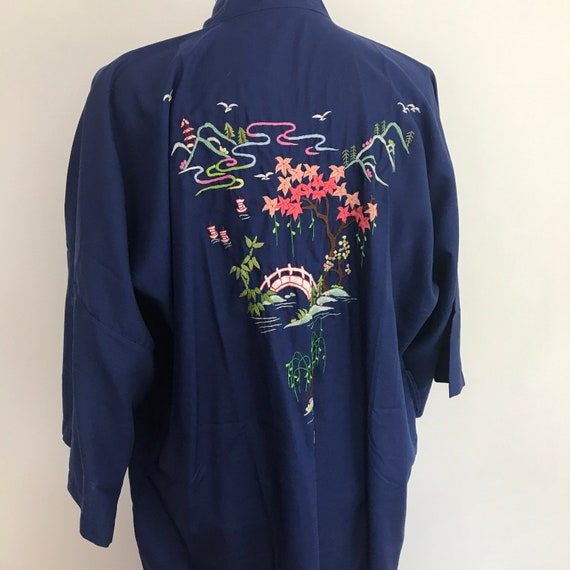 Vintage kimono, blue robe, haori, oriental dressing gown, willow tree embroidery, cherry blossom, 3/4 length, burlesque, pin up, medium