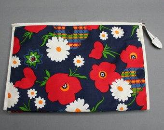 Vintage 1970s French toiletry bag, Fabric and plastic, Floral multicolored flowers pattern, New from old stock, Nos