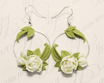 White peony Earrings. Ivory flowers earrings. Flower Hoop earrings. Polymer clay jewelry. Plant Earrings. Peony Jewelry. Bridesmaid jewelry