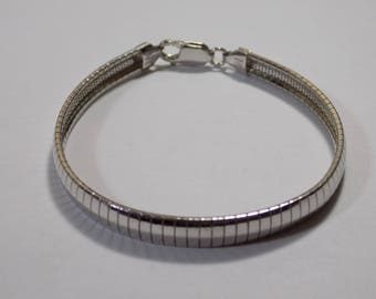 Sterling silver omega bracelet 7 1/2 inches long