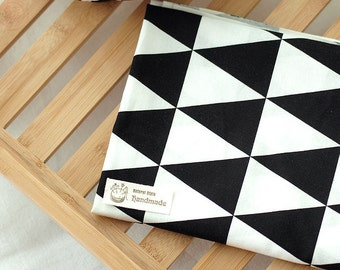 Black and White Patterns Cotton Fabric - Triangles - By the Yard Northern Europe Style Modern Pattern 39408