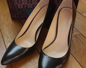 CARLO PAZZOLINI leather pumps. Size 38