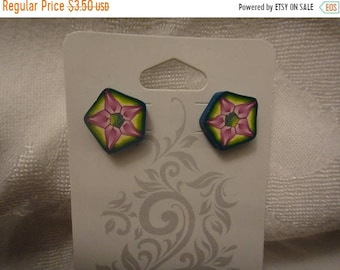 SaLE - Terrific Hexagonal Polymer Clay Stud Post Pierced Earrings Teal Edged With Star Flower (1654)