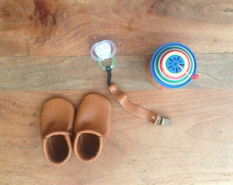 Handmade Leather baby Moccs& matching paccifier clip