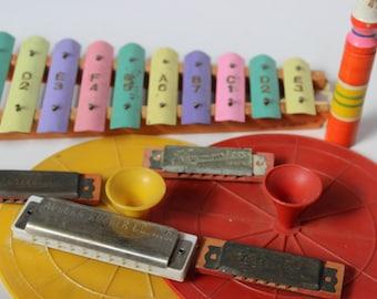 Vintage Spielzeug Instrument Set Xylophon Becken Mundharmonikas Flöte Kunststoff Becken Musikinstrumente
