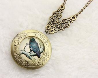Necklace locket Raven 2020m