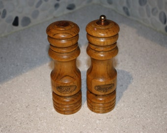 Wood salt and pepper shaker set
