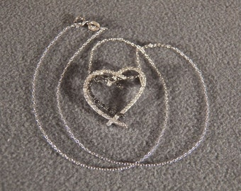 """Vintage Sterling Silver 12 Round Clear Diamond 12 Round Black Diamond Bold Heart Pendant 18"""" Necklace Chain     **RL"""