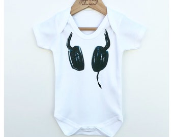 DJ Baby Toddler Bodysuit, Funny Bodysuit, Baby DJ Outfit, Music Outfit, Cool Baby Clothes, Newborn Baby Gift, Kids Clothing, Baby Clothing