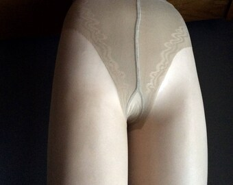 french-cut-pantyhose