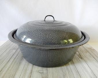 vintage granite ware roasting pan, speckled gray enamelware, vintage kitchen, kitchen decor, restaurant decor