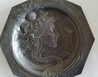 An amazing pewter Art Nouveau card tray
