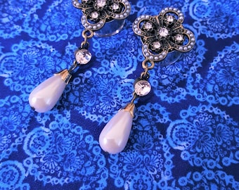 "Pearl and Crystal Wedding Dangle Plugs Gauges sizes 0g (8mm), 00g (10mm), 7/16"" (11mm), 1/2"" (12mm), 9/16"" (14mm), 5/8"" (16mm), 11/16 (18mm)"