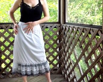 Long Half Slip with Ruffled Lace Hem, Womens Gray Vintage Layered Lace Petticoat Slip, Wild West  Pettislip Lingerie, Size Medium