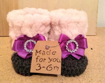 one of kind baby boots, custom made plush baby boots, crochet baby boots, baby gift, baby shower gift,gift under 50 dollars, 3-6 months