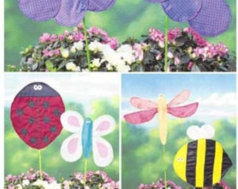 BUTTERFLY FLAG Sewing Pattern - Ladybug Bumble Bee Firefly Garden Lawn Flags & Ornaments 3563 Uncut