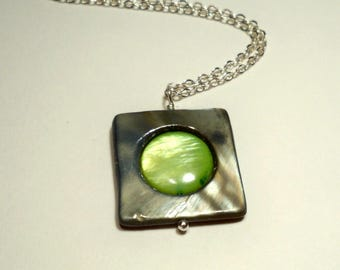 Mother of Pearl Layered Silver Summertime Necklace in Silver-Gray and Green
