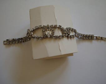 VINTAGE RHINESTONE BRACELET  is a 6 inch bracelet. See description & photos