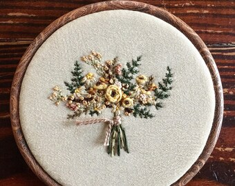 """7"""" embroidery hoop with sweet floral bouquet"""