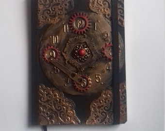 """O ' Clock"" journal"