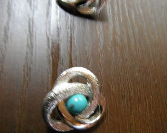 Silver Toned Beautiful Pair of Clip On Vintage Turquoise Earrings  Sarah Coventry Fashion Costume Jewelry