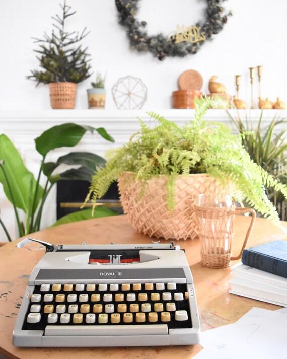 vintage royal mercury manual portable typewriter with case