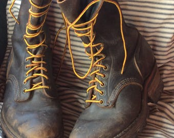 VINTAGE LEATHER WORKBOOT unisex combat boot, vintage shoe, lace up, Sheboygan , Wi, hipster boot