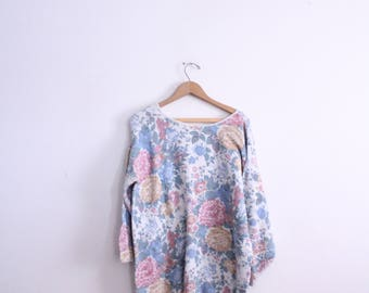 Slouchy 90s Floral Knit Sweater