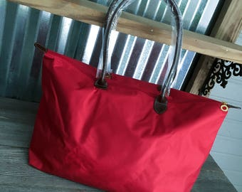 """TOTE/Red Nylon 21"""" Tote Bag with Dual Handles"""