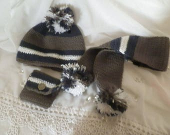 Set hat, scarf and purse