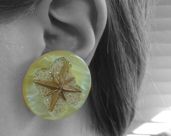 Vintage Large Round Yellow & Gold Tone Star Clip-On Earrings