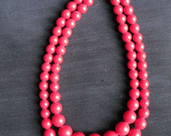 Red Double Strand Bead Necklace, Graduated Beads 50s necklaces vintage, cherry red