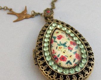 Gypsy Memory,Locket,Brass Locket,Peridot,Green Necklace,Green Stone,Pink Necklace,Brass Necklace,brass and Pink,Floral Locket,Gypsy,Boho