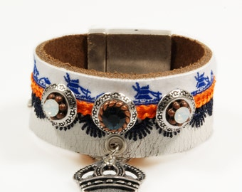 Leather cuff in honor of coronation Dutch king Willem Alexender - bracelet Swarovski Crystals, crown , Dutch windmills - SALE from eur 42,95