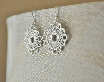 Silver Lace Earrings - Round Earrings, Metal Crochet Earrings, Silver Earrings, Feminine Earrings, Wedding Jewelry,Dainty Earrings