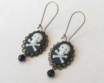Skull Earrings, Filigree Earrings, Skull and Crossbones Earrings, Pirate Earrings, Drop Earrings