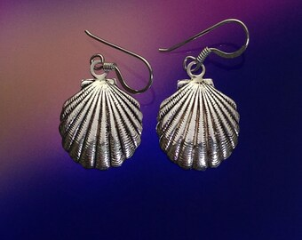 925 Solid Sterling Silver SEA SHELL Earrings /Dangle/ Clam Shell Earrings/ Nature Jewelry / Beach Jewelry- Small