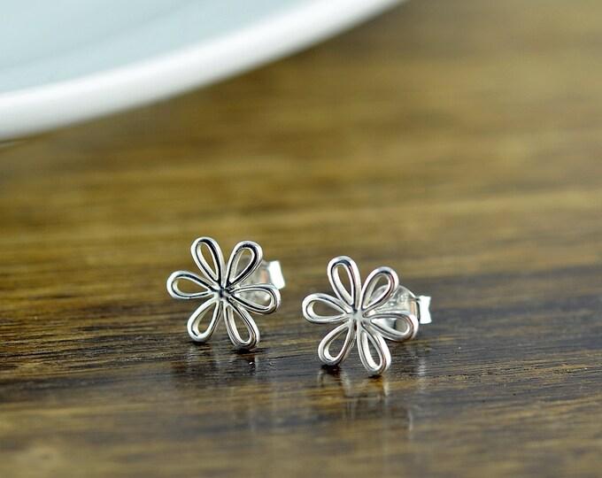 daisy earrings - flower earrings - stud earrings - silver jewelry - bff gift - silver earrings - bridesmaid earrings