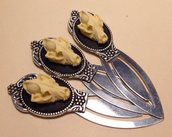 LAST ONE - Ornate Antique SILVER Highly Detailed Replica Wolf Skull Bookmark