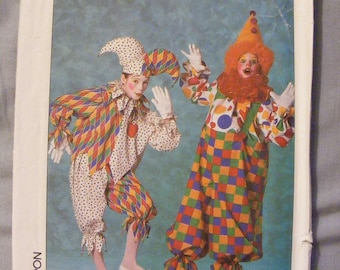 Jester and Clown Child's Costume Uncut Simplicity Sewing Pattern 9245 Size Small