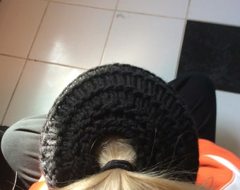 Messy-Bun black hat