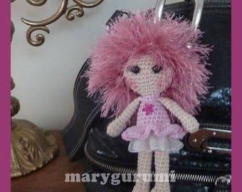Bijou de sac, poupée au crochet