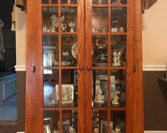 Curio Cabinet With Tapered Legs