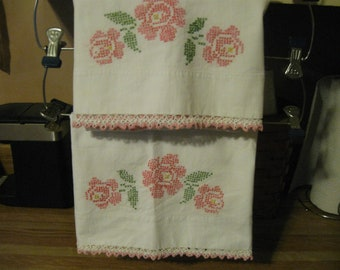 Very Pretty PINK ROSES Vintage PILLOWCASE Set! (Hand Cross Stitch Embroidery)Matching Set/Pair!