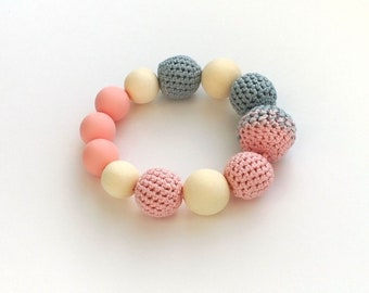 Pink blue crochet wooden teether with silicone beads Montessori insp infant teething ring Nursing baby teether First toy Baby shower gift
