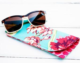 Hawaiian Blue Flower Sunglass Case Glass Sleeve Monogrammed Cases for Oversized glasses Funky Sunglass case Floral  Sunglass sleeves Beach