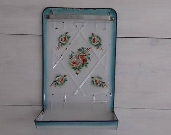 Former support cooking utensils in white and green enamel roses France pattern