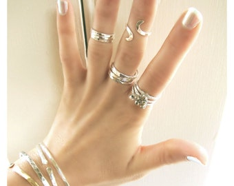 Set Of Five Sterling Silver Stack Rings Plus Adjustable Above The Knuckle Ring