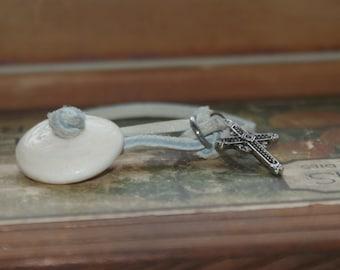 Handmade Hawaiian Surfer Shell, Leather and Metal Boho Bracelet