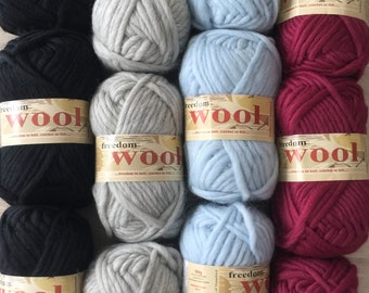Twilleys Freedom Wool Super Bulky 4.99 +1.25ea Ship - 54yds + Patterns. Ebony 1124-Oyster 1122-Ice Blue 1121-Vintage Rose 1115. Felts Nicey!